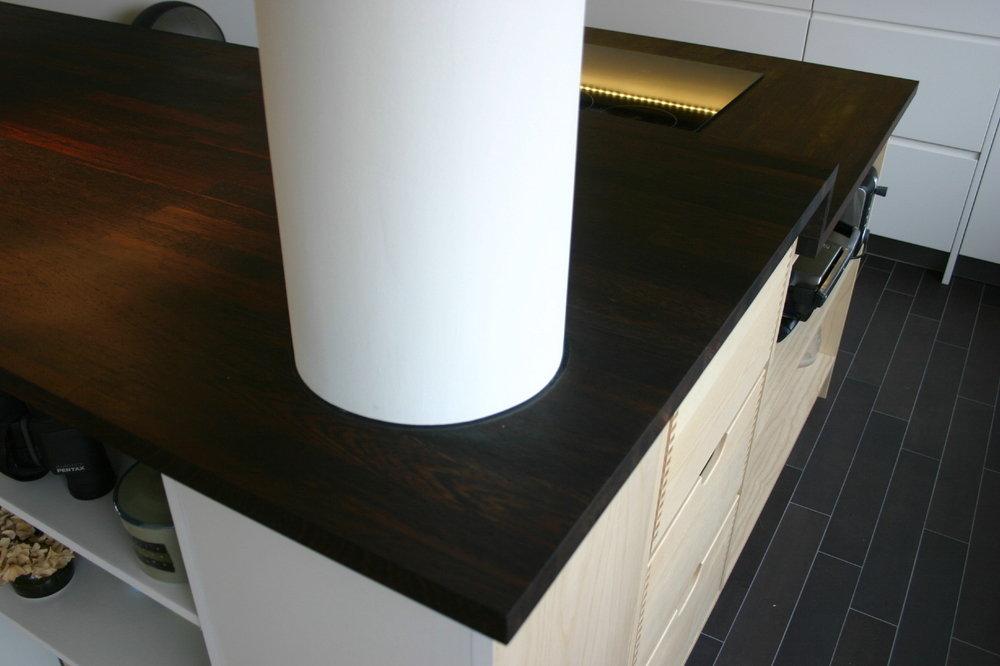Massief wengé houten werkblad op maat gemaakt om bouwkundige kolom